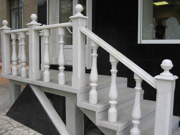 Pollitrovka: парапеты поручни ограждения лестниц перила балю.