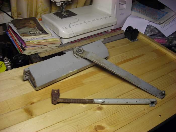Доводчик двери своими руками: инструкция по изготовлению