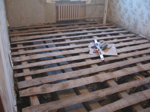 Ремонт деревянного пола на даче